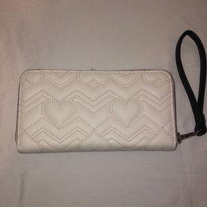 Betsey Johnson Bags - Betsey Johnson Wallet / Wristlet